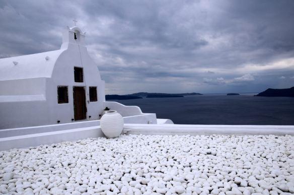 Ciel gris sur Santorin